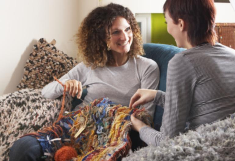 Group Of People Knitting : The benefits of joining a knitting group women