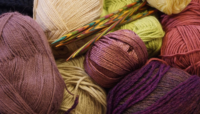 Knitting Tips And Tricks For Beginners : Tips and tricks for beginner knitters knitting women